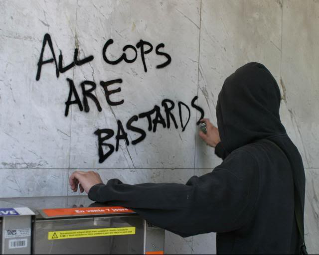 graffiti-all-cops-are-bastards